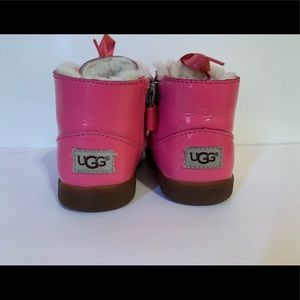 T Payten Star UGG boots